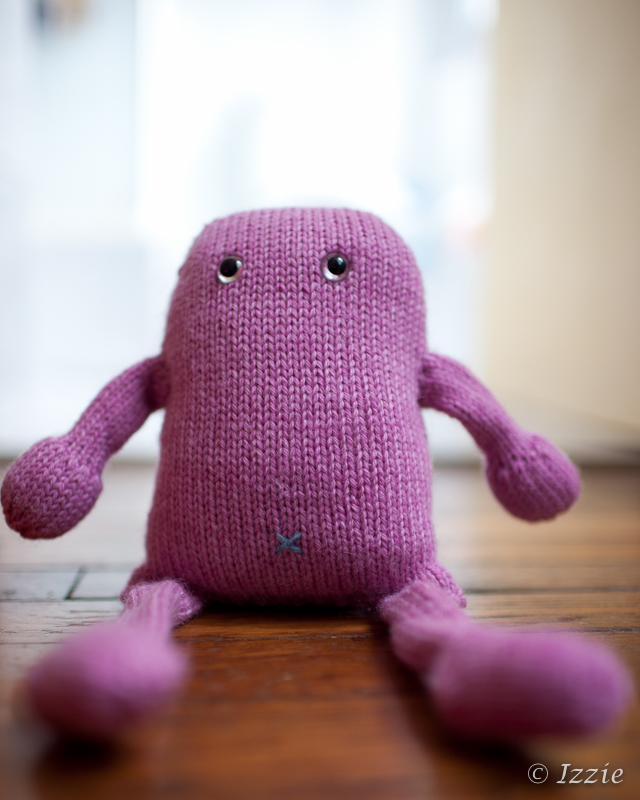 Klamédia the knitted monster