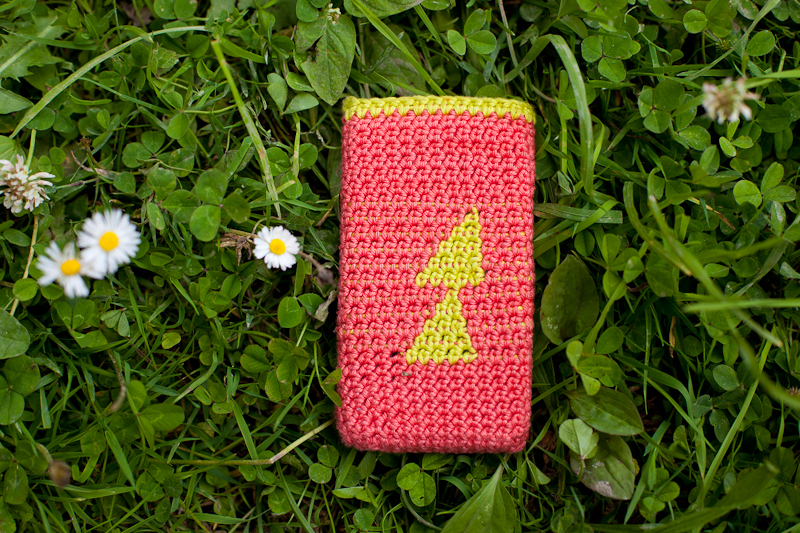 iphone case izzie knits